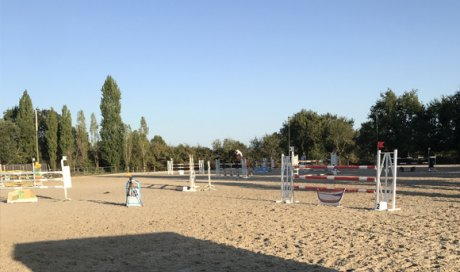 carrière d'obstacles - centre équestre Angers